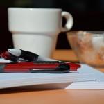 Konferens Radiostationen, kaffet och pennor redo!